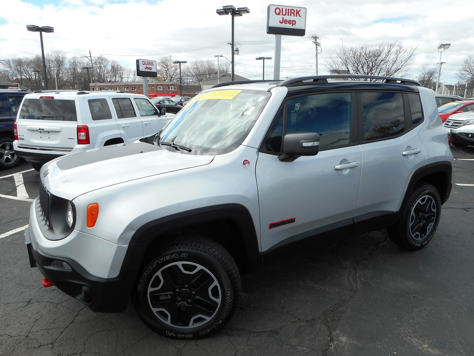 Jeep Certified Pre Owned >> Certified Pre-Owned 2015 Jeep Renegade Trailhawk Sport